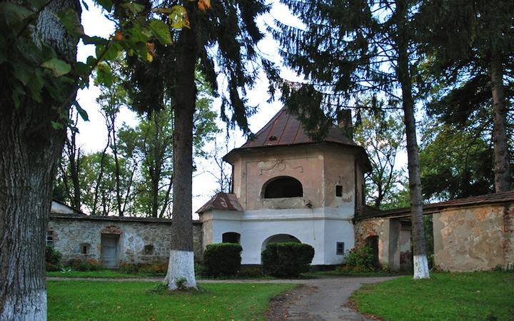 Замки, дворцы и крепости