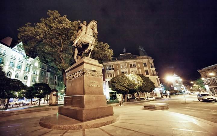 Памятник Данилу Галицкому. Львов
