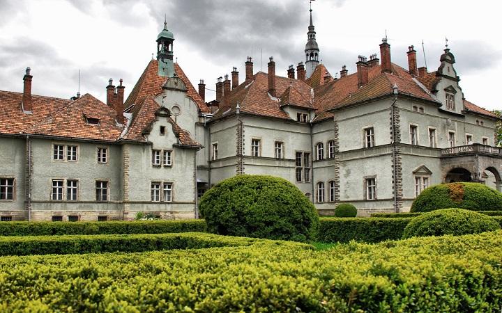 Экскурсия в Ужгороде: Экскурсия в Воеводино «Катание на конях, форель и парк Шенборна»
