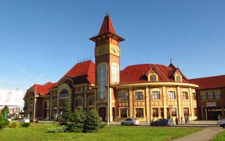 Железнодорожный вокзал (Ужгород)