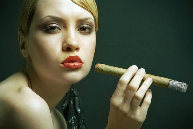 Выкурить сигару
