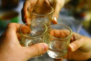 Выпить водки