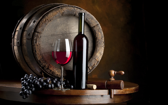 Выпить вина