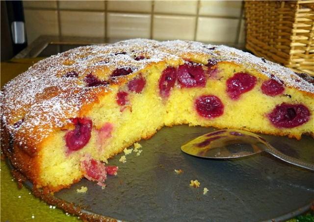Пирог из вишни фото