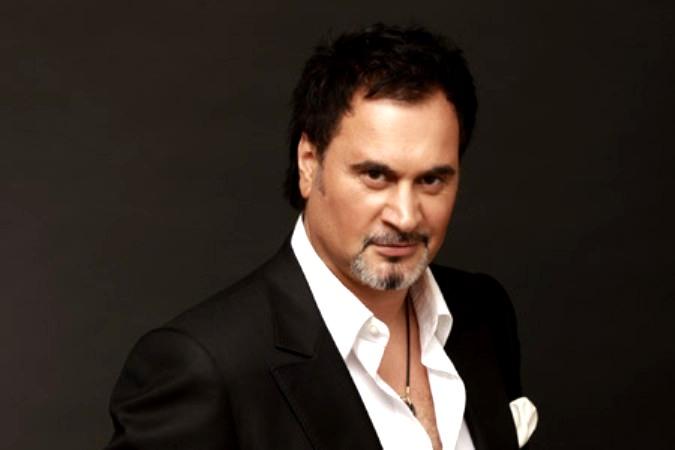 Известный певец и Заслуженный актер РФ