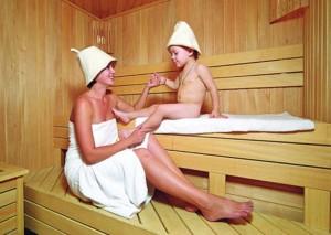 Mozhno li brat' detey v saunu, i chto sleduet znat'?