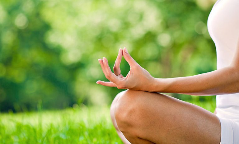 Самая распространенная и удобная позиция для медитации