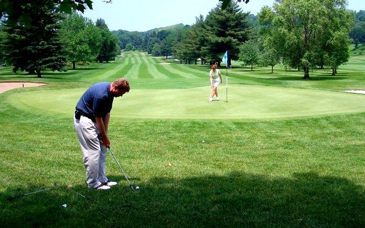 Mi rasskajem kakuiy odejdu luchshe vibrat dlia igri v golf
