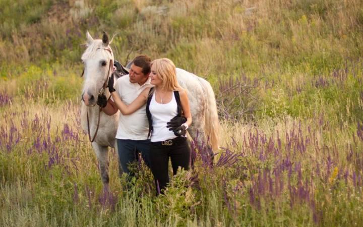 катание на лошадях для двоих, романтические прогулки на лошадях в киеве, где покататься