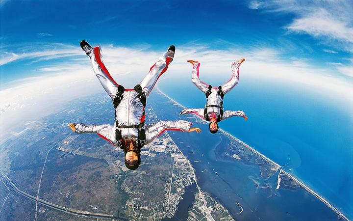 Захватывающие прыжки с парашютом. Видео. Смотреть онлайн