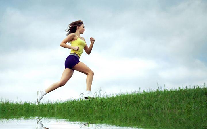 Когда лучше заниматься бегом: утром или вечером