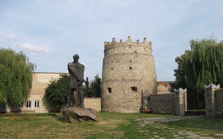 Экскурсия Замки ближнего Подолья