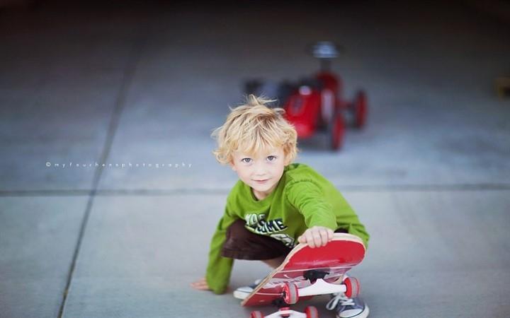 Скейт. Скейтбординг. Дети. Ребенок