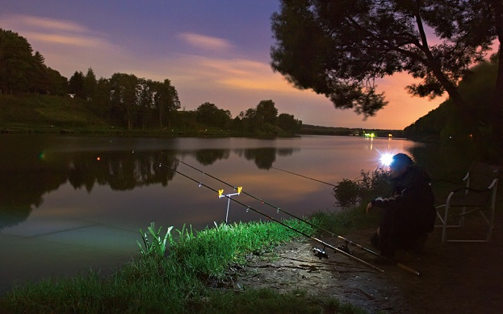 Ночная рыбалка на Днепре. Видео