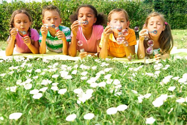 Чем заняться с ребенком на летних каникулах