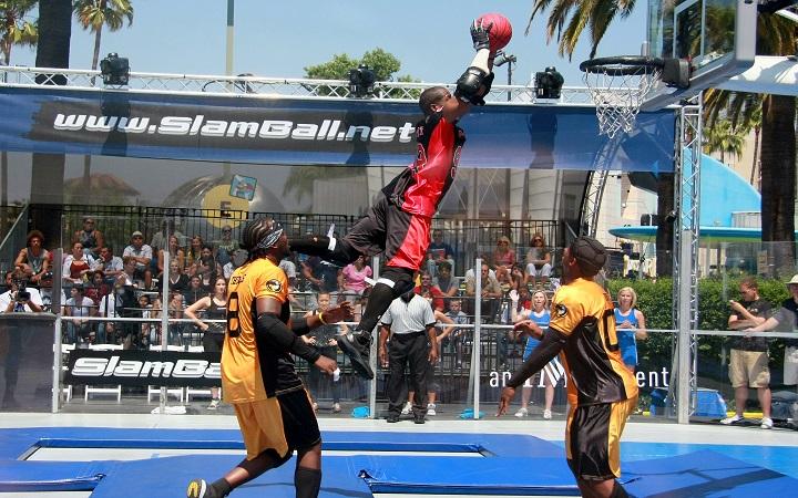 Слэмбол - спорт для настоящих мужчин