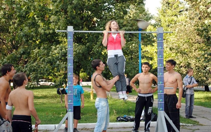 Бесплатные групповые спортивные уличные занятия в Киеве
