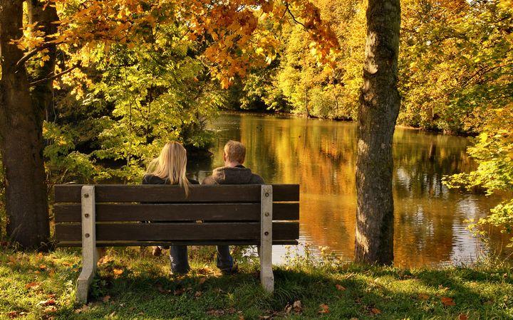 Прогулка в парке осенью