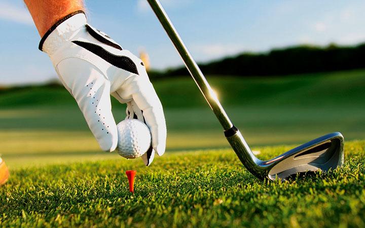 Учимся играть в гольф