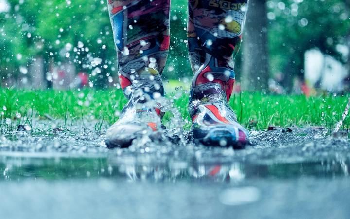 Что делать, чтобы дождь не испортил отдых на природе