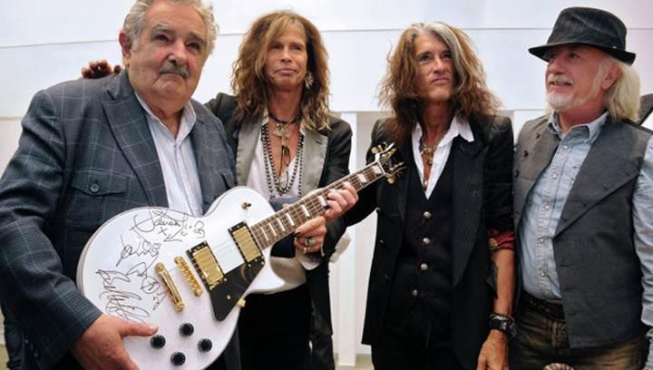 Группа Aerosmith сделала подарок президенту Уругвая