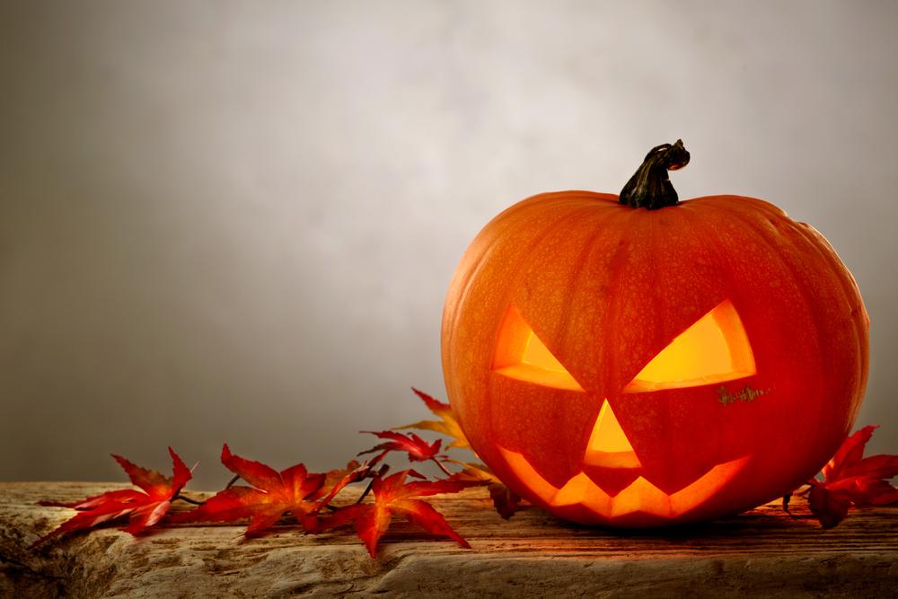 Украшаем дом к Хэллоуину вместе с детьми