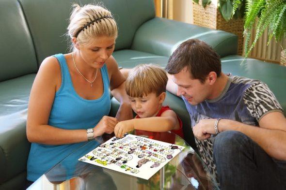 Как развивать ребенка с помощью игр