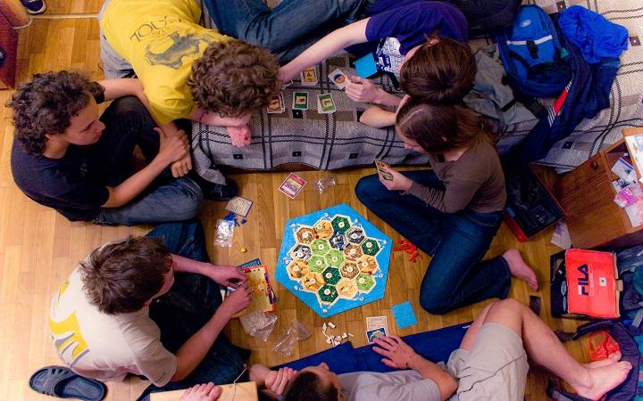 Игры для посиделок с друзьями