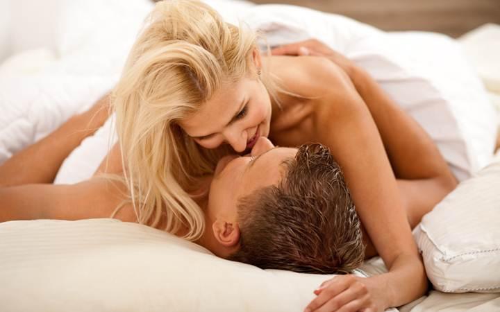 Занятия сексом делают людей умнее