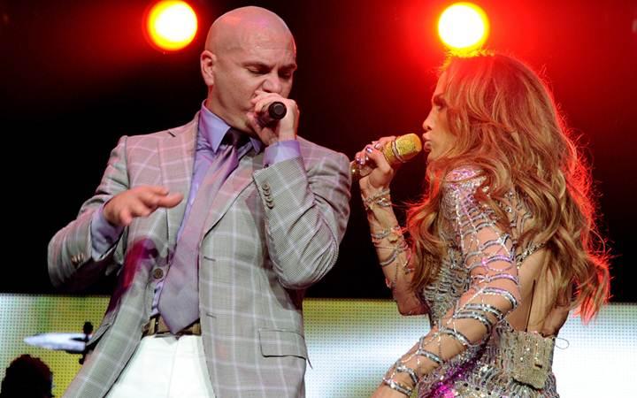 """Pitbull и Дженнифер Лопес запишут песню для Кубка Мира """"FIFA 2014"""""""