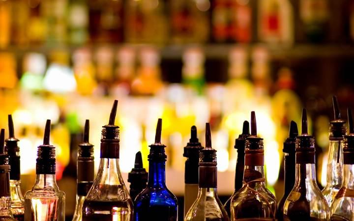 Алкоголь способствует улучшению интимной жизни