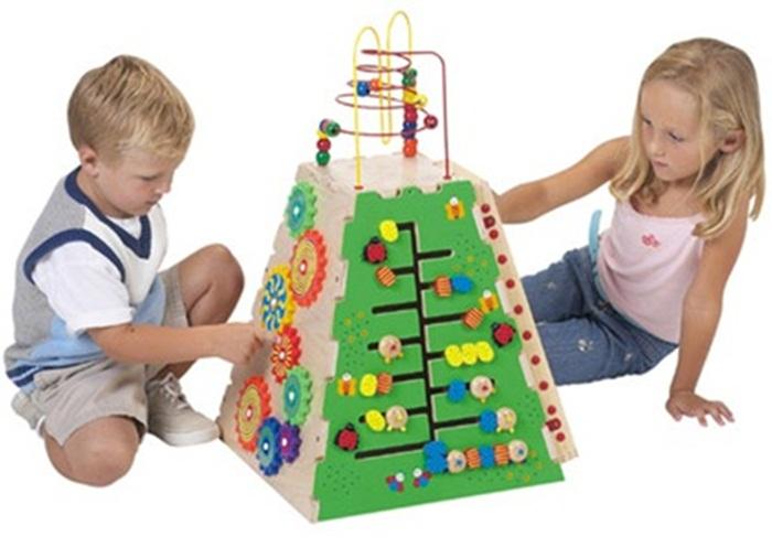 Как правильно выбирать развивающие игрушки для ребенка