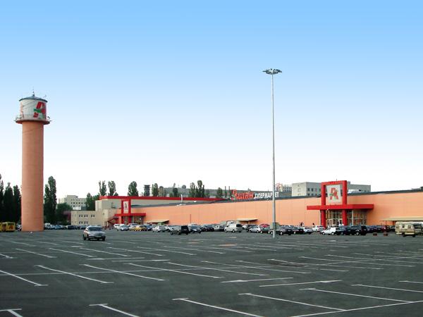 Парковка гипермаркета «Ашан»