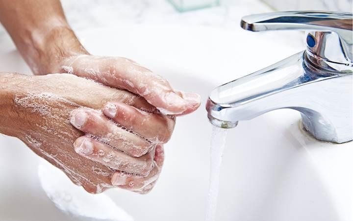 Мытье рук способно снимать стресс
