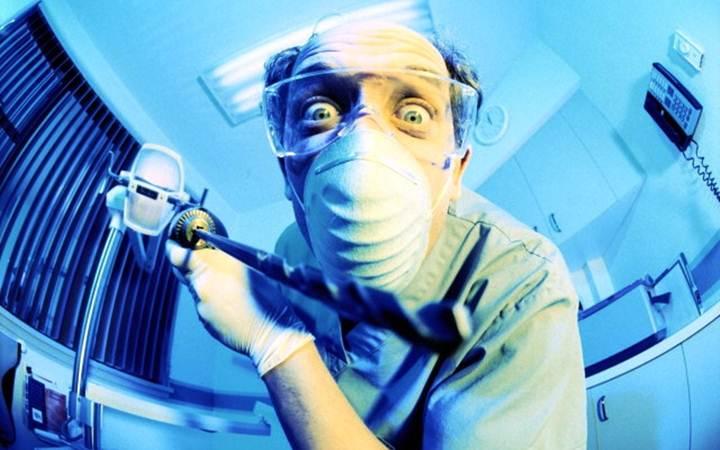 Найден способ лечить зубы без бормашин и пломб