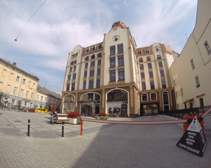 Отель во Львове на месте кладбища прокаженных