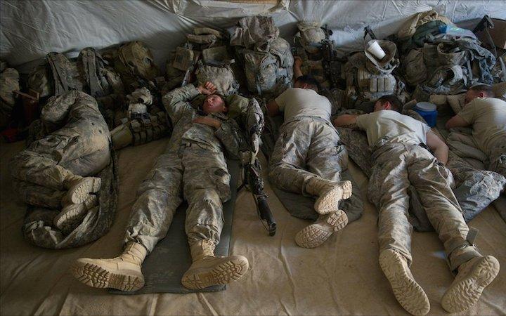 Солдаты спят