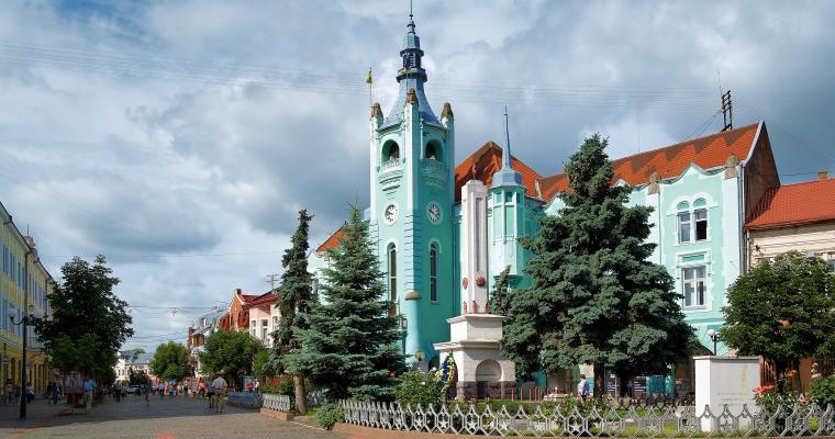 Тур по Украине: Выходные в Берегово+Мукачево, Ужгород, Львов