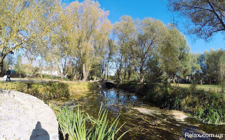 Парк возле замка Радомысль