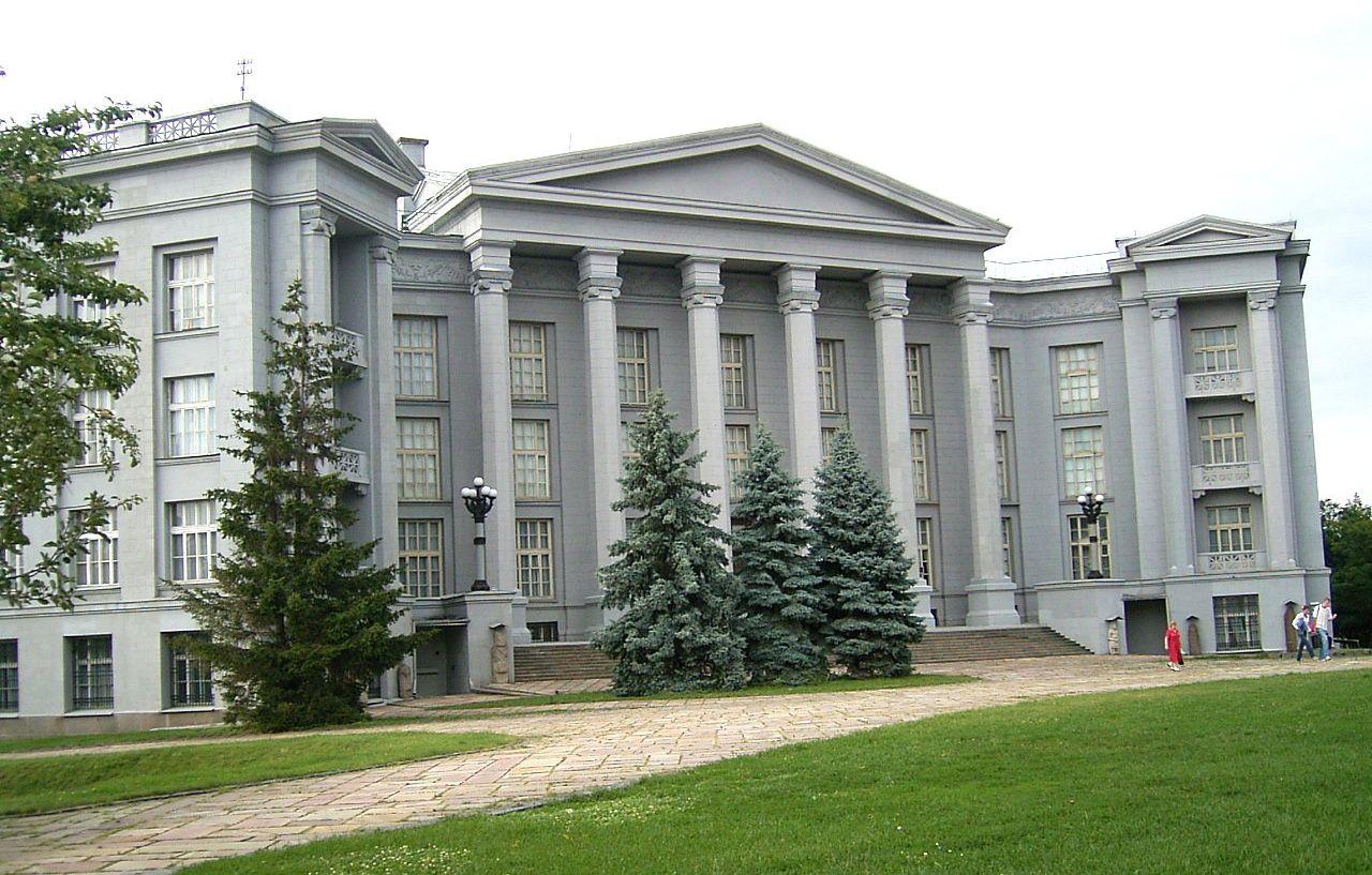 Культурно обогатиться в киевских музеях