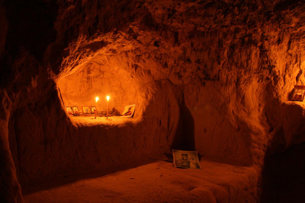 Побывать в киевских пещерах