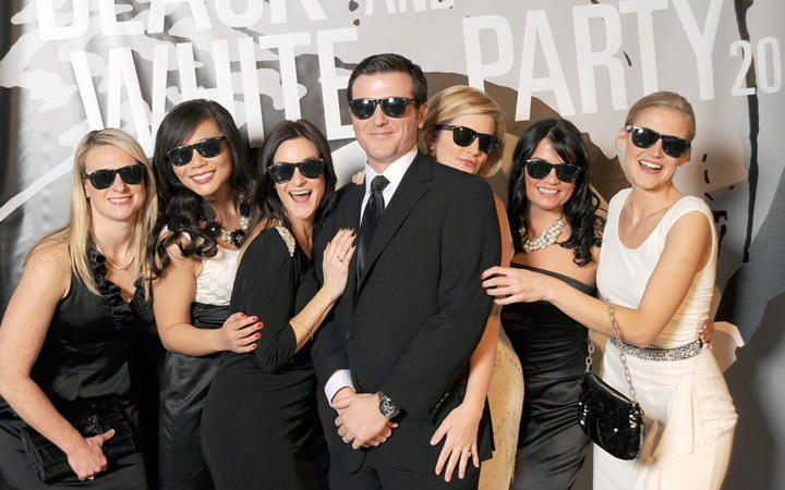 Идея на выходные: Вечеринка в черно-белом стиле