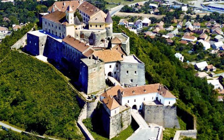 Замок Паланок – жемчужина Закарпатья