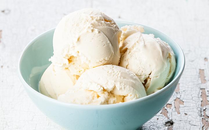 Классическое ванильное мороженое