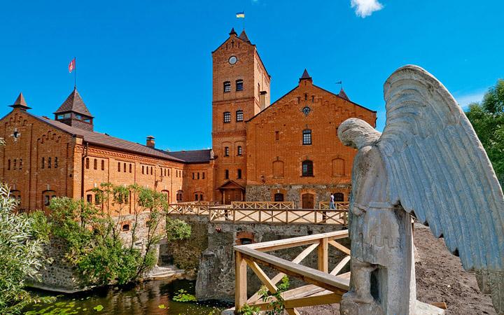 Тур по Украине: Экскурсия в Замок Радомысль с посещением Коростышева