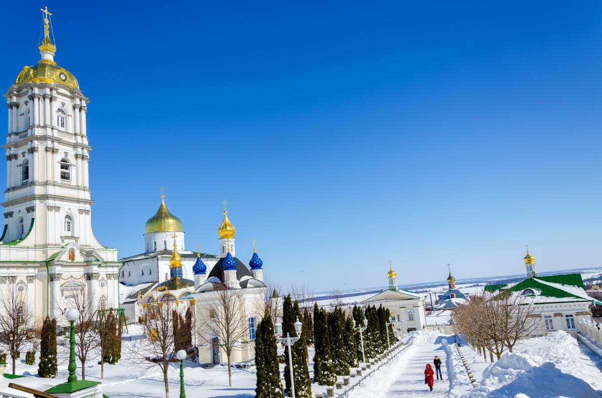 Тур по Украине: Новый год в Почаеве и зимние замки Западной Украины