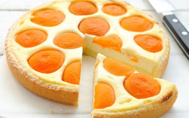 Абрикосовый пирог с творожно-лимонной начинкой