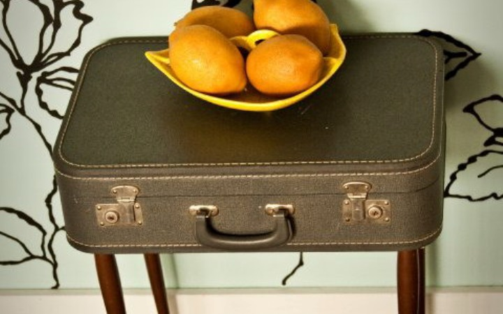 Стол из чемодана