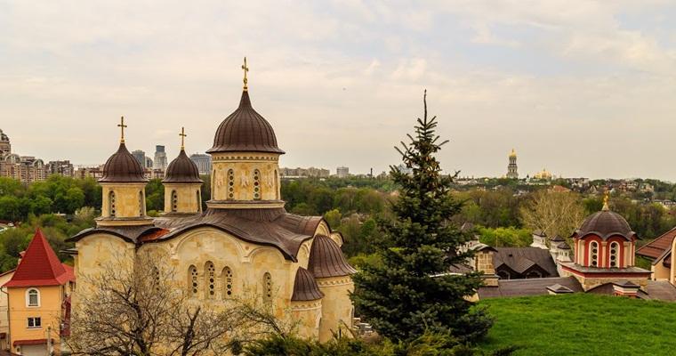 Зверинецкие пещеры. Архангело-Михайловский Зверинецкий мужской монастырь