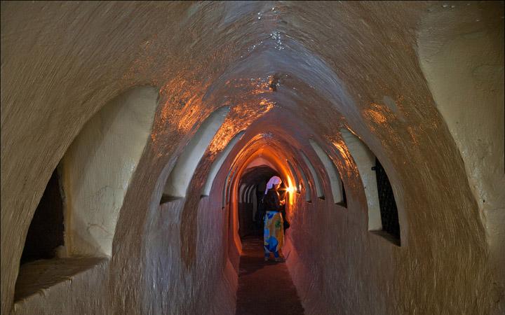 Архангело-Михайловский Зверинецкий мужской монастырь. Зверинецкие пещеры